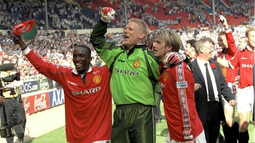 edgar-dwight-yorke-peter-schmeichel-interview-03